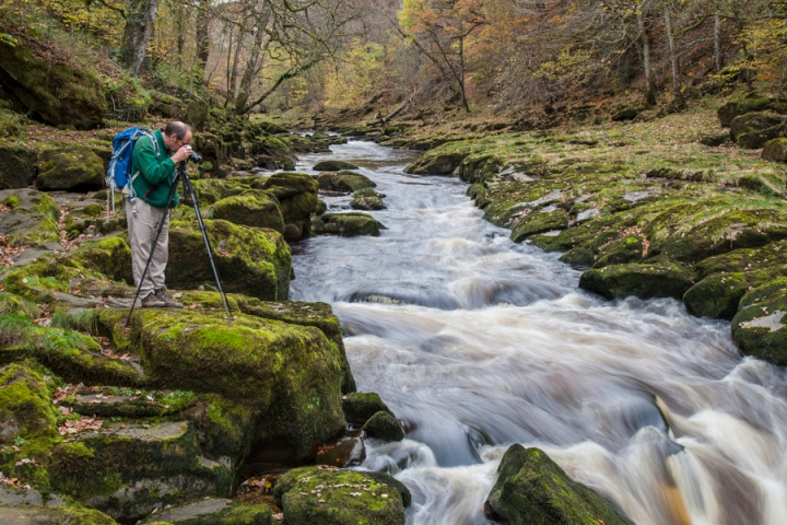 Capturing the very fast flowing water of the River Wharfe at the